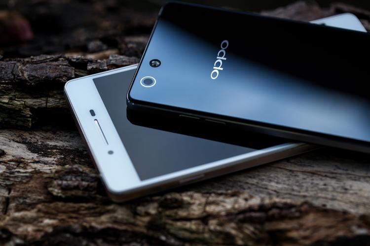 Về thông số kỹ thuật, Oppo R1 được trang bị màn hình IPS kích thước 5 inch với độ phân giải 720 x 1280 pixel.
