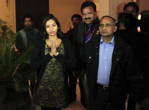 Ấn Độ trục xuất nhân viên ngoại giao trả đũa Mỹ - 1