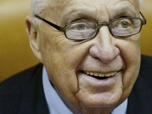 Cựu Thủ tướng Israel Ariel Sharon qua đời - 1