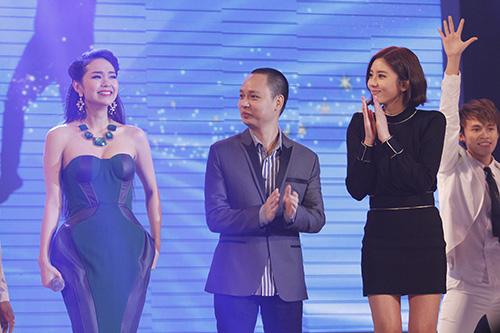 Son Dam Bi gặp sự cố trên sân khấu Việt - 1