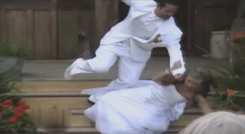 """Top clip hài: """"Ronaldinho"""" lừa... bò tót - 1"""