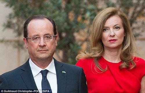 Bị phản bội, Đệ nhất Phu nhân Pháp nhập viện - 1