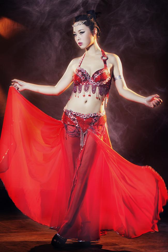 Belly dance là bộ môn nghệ thuật múa truyền thống của các nước Trung Đông, nó còn được gọi là múa bụng hoặc múa Ả Rập