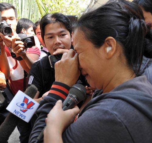 Bé trai bị bắt cóc: Bố mẹ xúc động nhận lại con - 1