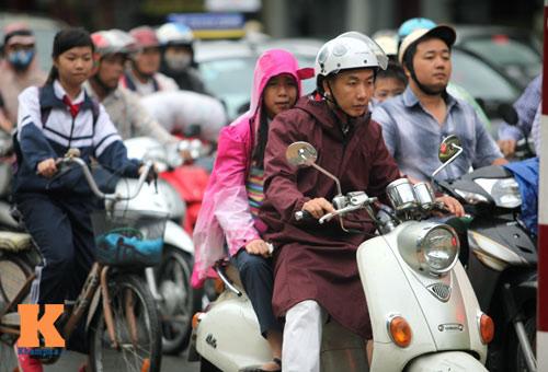 Hà Nội: Rét đậm, học sinh được đi học muộn - 1