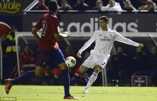 Ronaldo: Xóa vận đen, mừng bóng vàng - 1