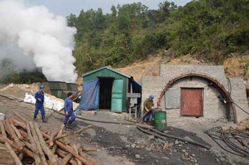 Vụ cháy lò: Lời kể của thợ mỏ sống sót - 1