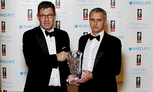 Mourinho phẫu thuật thành công khuỷu tay - 1