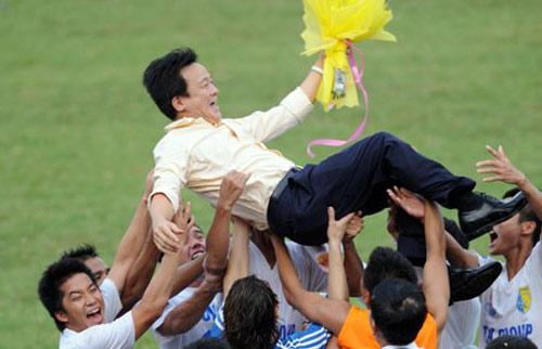 BĐVN với sân chơi châu Á: Hoan hô bầu Hiển - 1
