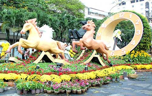 Ngắm đường hoa Nguyễn Huệ trước giờ khai mạc - 1