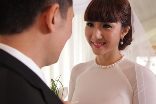 Ngọc Quyên hạnh phúc với tiệc cưới ấm cúng - 1