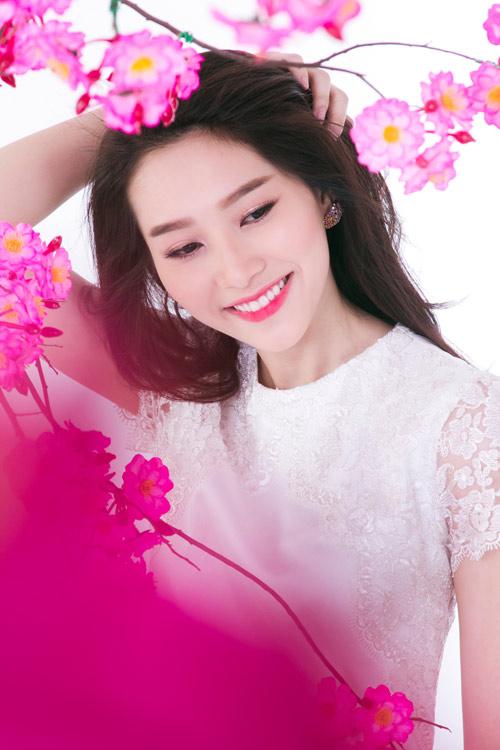 """Hoa hậu Thu Thảo:""""Tôi thích Tết ở quê nhà"""" - 1"""