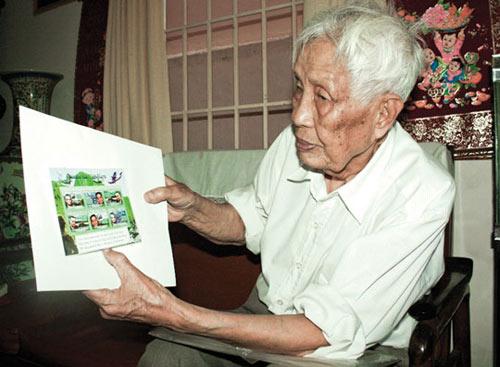 Người đàn ông 50 năm sưu tầm tem về tướng Giáp - 1