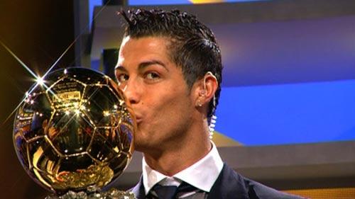 Xứng với bóng Vàng phải là Ronaldo Kim cương - 1