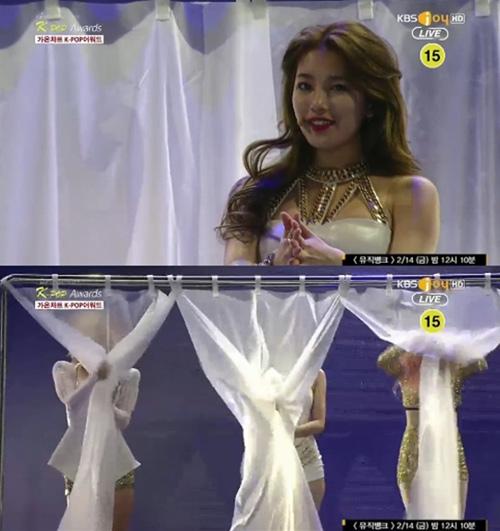 Kiều nữ Hàn Suzy tuột dây váy trên sân khấu - 1