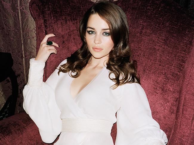 1. Nữ diễn viên Emilia Clarke của bộ phim Game of Thrones được bình chọn là người phụ nữ được khao khát nhất năm 2014