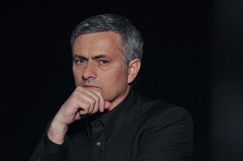 Chelsea - Mourinho thanh lý... 13 cầu thủ - 1