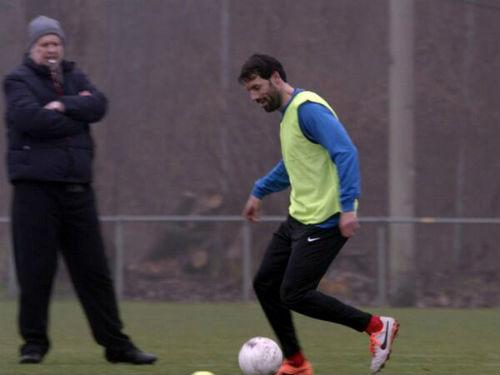 Van Nistelrooy định trở lại giải cứu MU? - 1