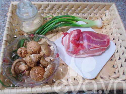 Thịt ba chỉ kho nấm đậm đà ngày rét - 1