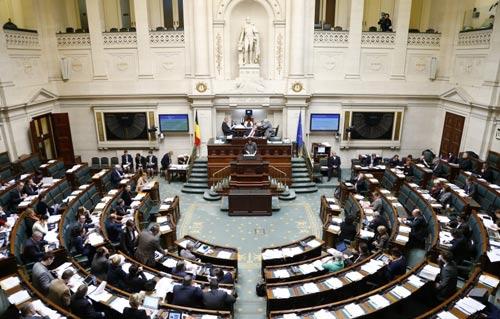 """Bỉ: Cho phép trẻ em lựa chọn """"cái chết êm ái"""" - 1"""