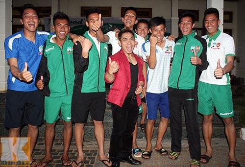 Phạm Văn Mách truyền cảm hứng cho U19 VN - 1