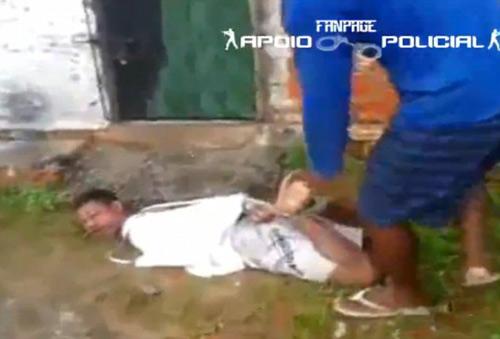 Xử đạo chích kiểu Brazil: Vứt vào tổ kiến lửa - 1