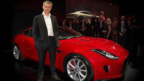 """Mourinho được tặng """"xế khủng"""" Jaguar mới - 1"""
