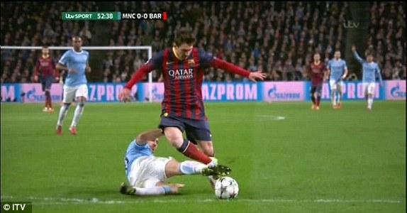 Man City - Barca: Sai lầm tai hại - 1