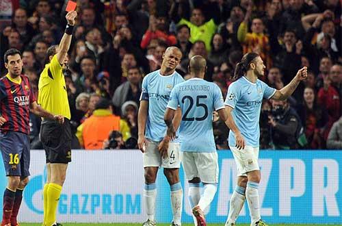 Fan Man City và Barca không ngừng tranh cãi - 1