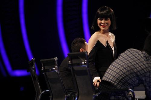 """Mỹ Tâm """"quá khích"""" vì thí sinh Vietnam Idol - 1"""