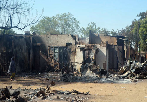 Phiến quân Nigeria thiêu sống hàng chục học trò - 1
