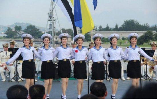Xinh như mộng dàn nhạc nữ hải quân Triều Tiên - 1