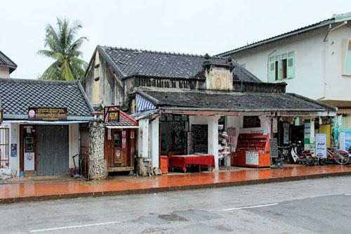 Dạo phố cổ ở Luang Prabang - 1