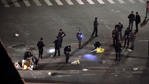 Vụ thảm sát 33 người ở TQ: Khủng bố Tân Cương - 1
