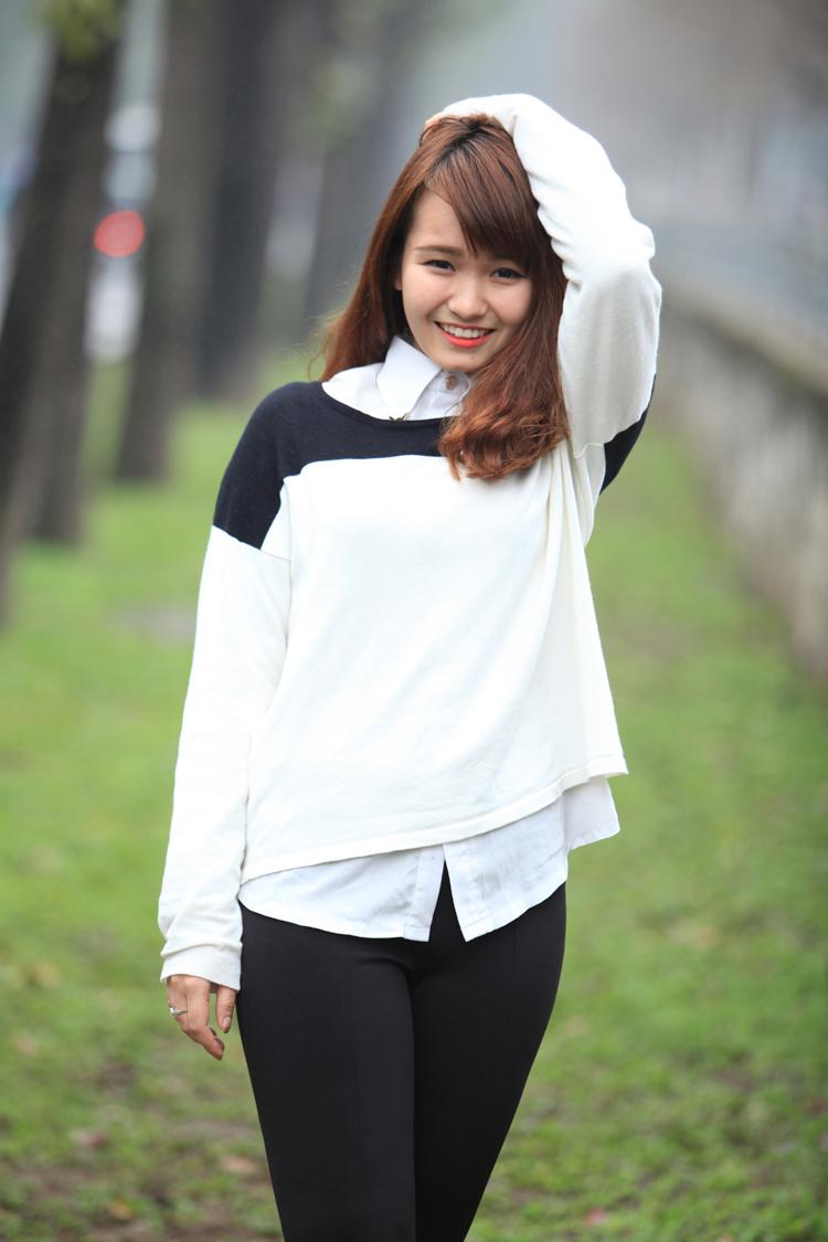 Những VĐV wushu nữ như Mai Phương cũng có những giây phút thư giãn ngoài đường phố.