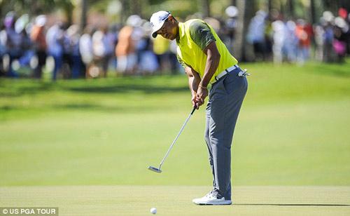 Video: Cú gạt không tưởng của Tiger Woods - 1