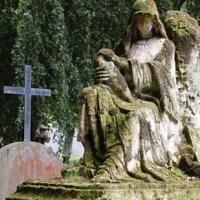 """Ghê rợn những nghĩa địa """"thiên thần"""""""