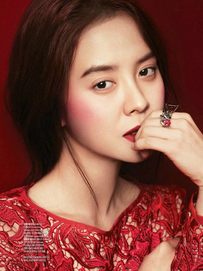 Nữ diễn viên Song Ji Hyo sinh năm 1981 là gương mặt rất được ưa thích tại Hàn Quốc
