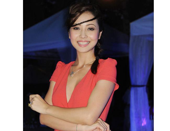 Hoa hậu Jennifer Phạm sở hữu nhan sắc mỹ miều nhưng không ít lần cô chọn nhầm kiểu tóc.