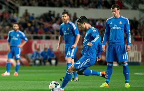 Ronaldo chính là điểm yếu của Real? - 1