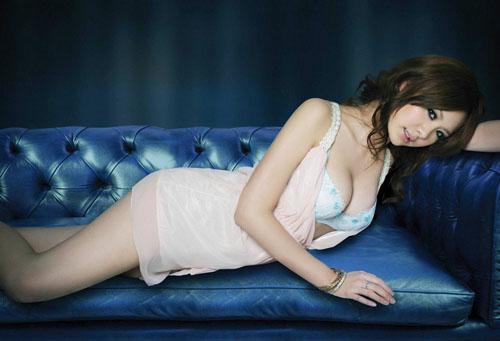 Top 10 khuôn ngực sexy nhất Đài Loan - 1