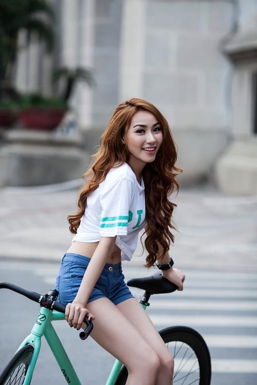 Ngân Khánh tranh giải HTV cùng 2 đàn chị kỳ cựu - 1