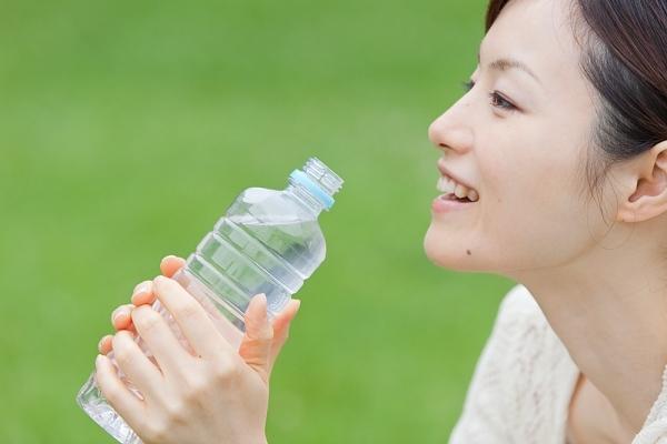 Giảm ham muốn vì uống ít nước - 1