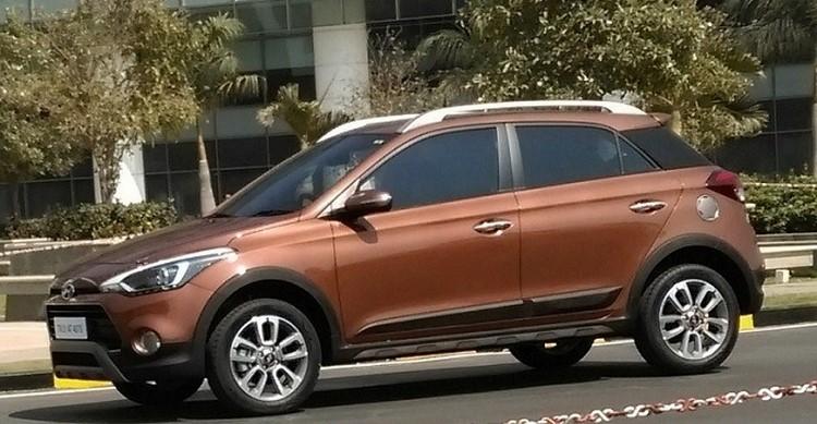 Hyundai i20 Active giá 200 triệu đồng rục rịch ra mắt - 1