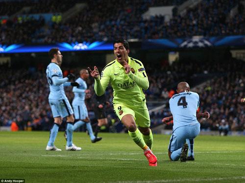 Man City lại thua Barca: Lúa vẫn còn non - 1