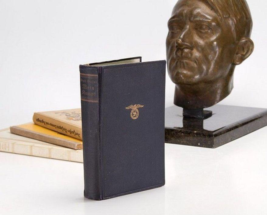 """Đức sắp tái bản """"sách hướng dẫn diệt chủng"""" của Hitler - 1"""