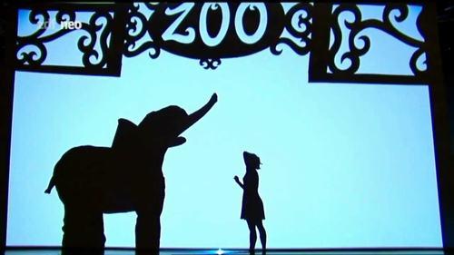 Video: Kinh ngạc với màn múa người hóa thú - 1