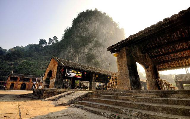 Lãng đãng bức tranh phố cổ Đồng Văn - 1