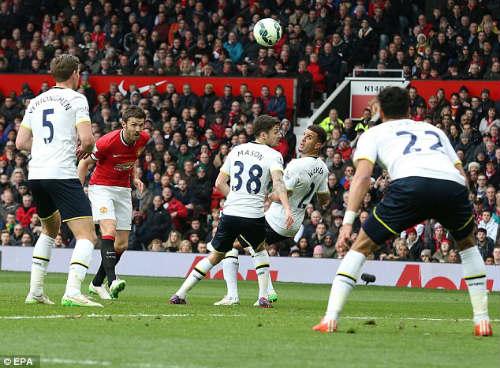 Carrick và Rooney: Chìa khóa top 4 của MU - 1