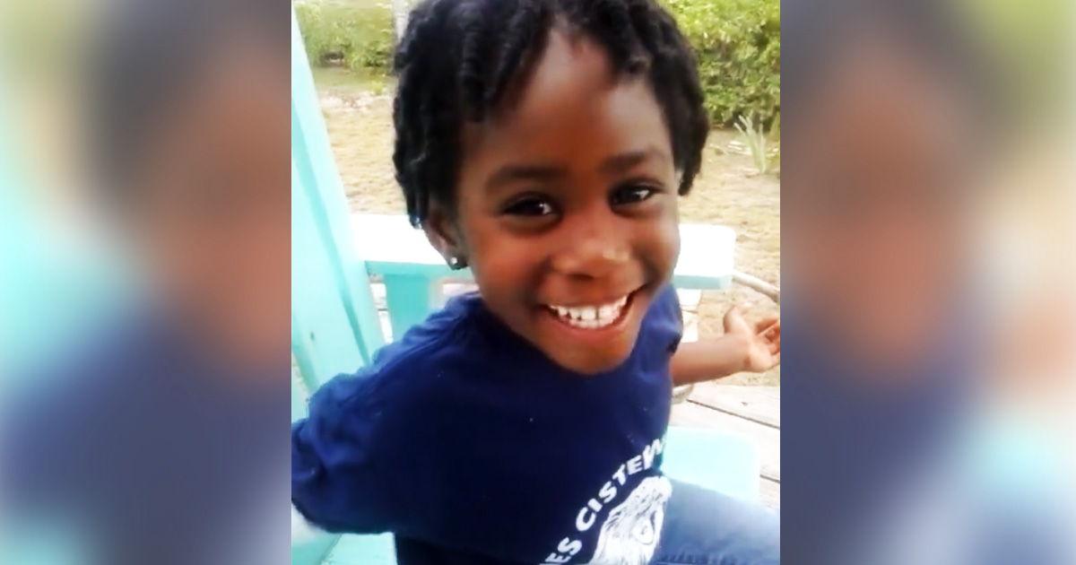 Clip bé gái 5 tuổi trả lời cực thông minh khi bị chê xấu - 1